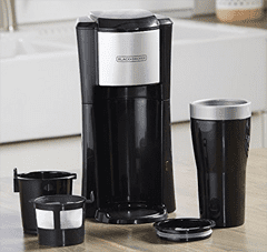 Black + decker space saver coffee maker. CM618 single serve coffee maker